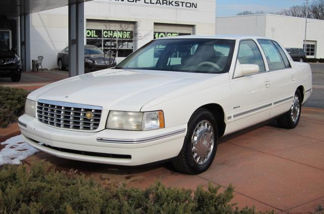 Image 17 of 1999 Cadillac Deville…