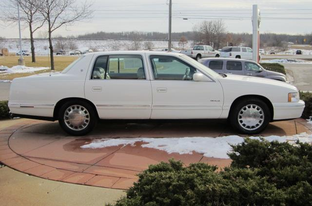 Image 22 of 1999 Cadillac Deville…