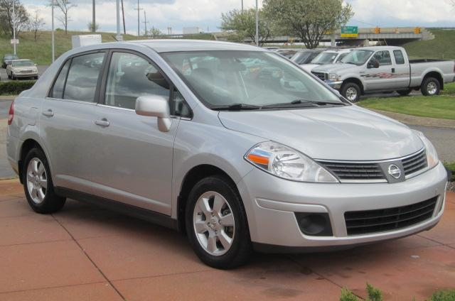 Image 1 of 2008 Nissan Versa 1.8…