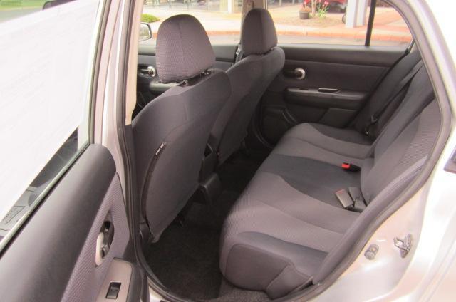 Image 5 of 2008 Nissan Versa 1.8…
