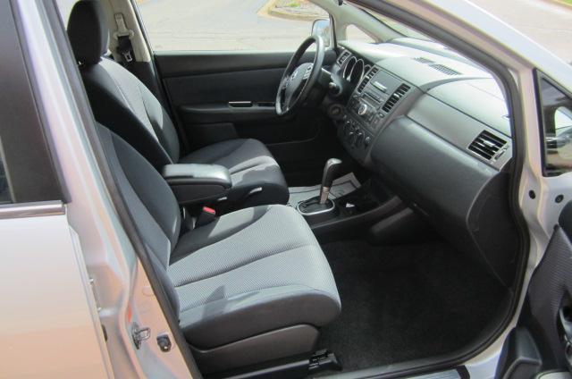 Image 8 of 2008 Nissan Versa 1.8…