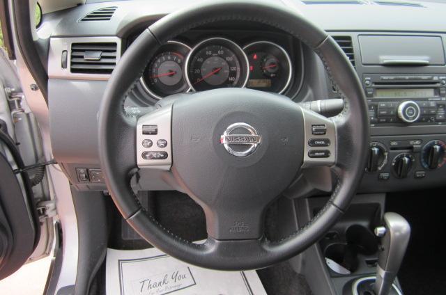 Image 10 of 2008 Nissan Versa 1.8…