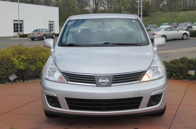 Image 12 of 2008 Nissan Versa 1.8…