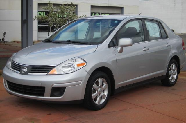 Image 17 of 2008 Nissan Versa 1.8…
