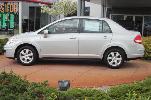 Image 18 of 2008 Nissan Versa 1.8…