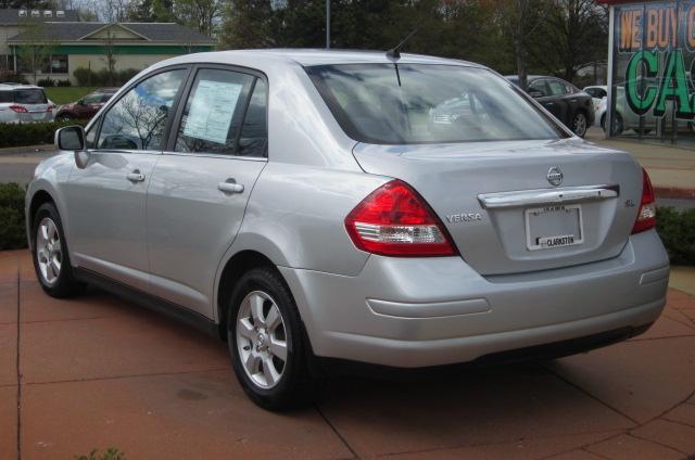 Image 19 of 2008 Nissan Versa 1.8…