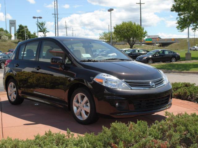 Image 17 of 2011 Nissan Versa 1.8…