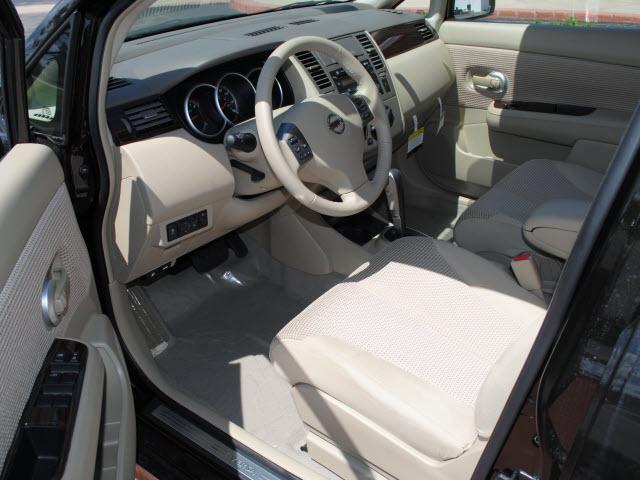 Image 18 of 2011 Nissan Versa 1.8…