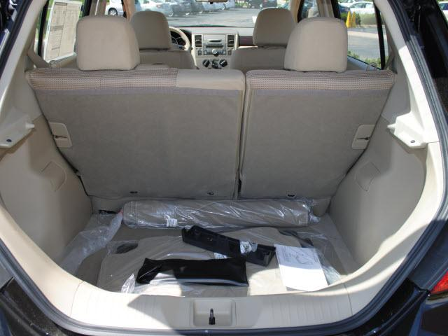 Image 24 of 2011 Nissan Versa 1.8…