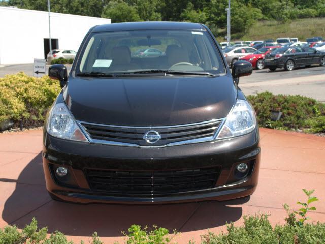 Image 25 of 2011 Nissan Versa 1.8…