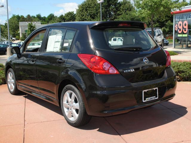 Image 28 of 2011 Nissan Versa 1.8…