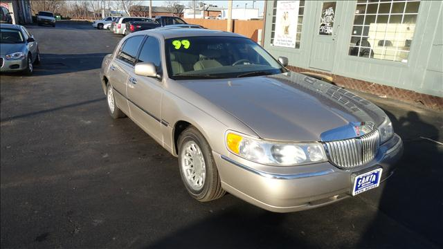 1999 Lincoln Town Car Signature - Rochester NY