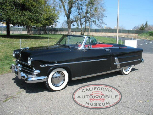 1953 Ford Sunliner
