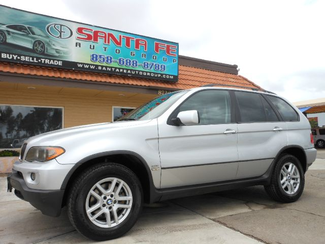 2004 BMW X5 30I black there are no electrical problems with this vehicle  there is not a door di