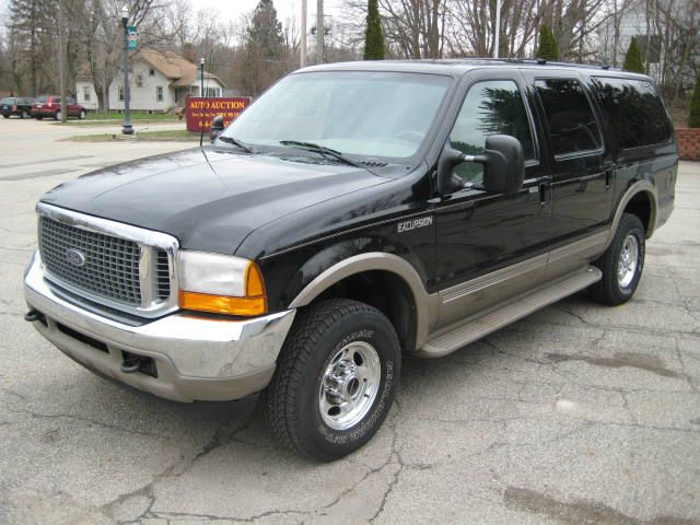 2000 Ford Excursion - COOPERSVILLE, MI