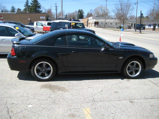2003 Ford Mustang - COOPERSVILLE, MI