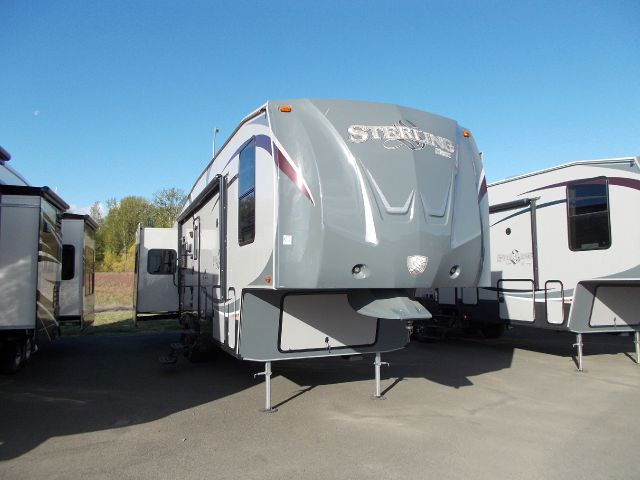 2013 FOREST RIVER WILDCAT 32RL