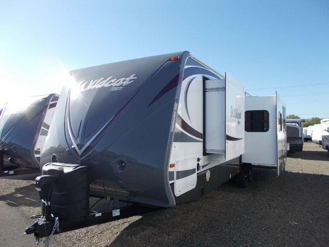 2014 FOREST RIVER WILDCAT 28RKX