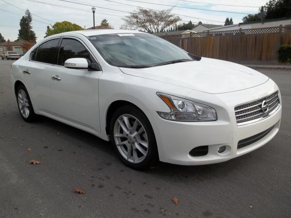 2009 NISSAN MAXIMA pearl white this is a fully loaded beautiful pearl white 2009 nissan maxima 4 d