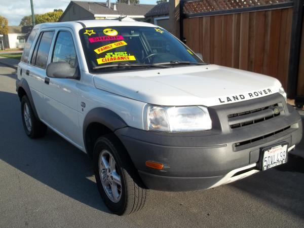2002 LAND ROVER FREELANDER white this is a white 2002 land rover freelander 4 door wagon 5 speed a