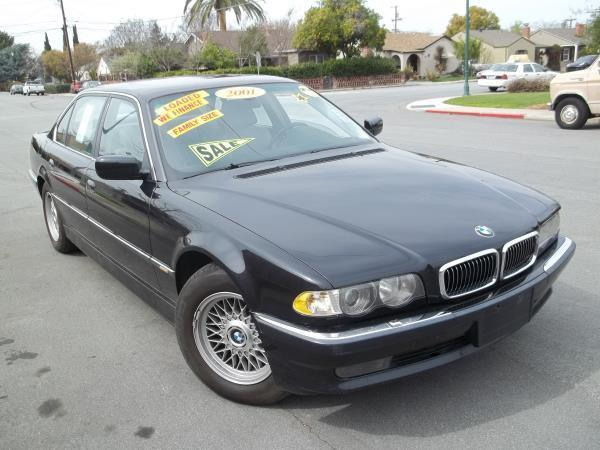 2001 BMW 7 SERIES black this is a black 2001 bmw 7 series 4 door sedan 5 speed automatic v8 44l
