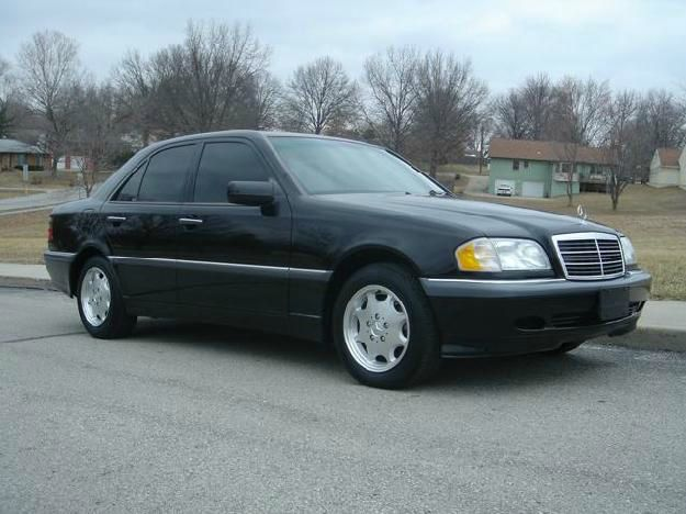 2000 MERCEDES-BENZ C-CLASS black this is a  black 2000 mercedes-benz c-class 4 door sedan automati