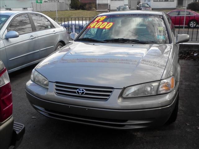 Image 1 of 1999 Toyota Camry CE…