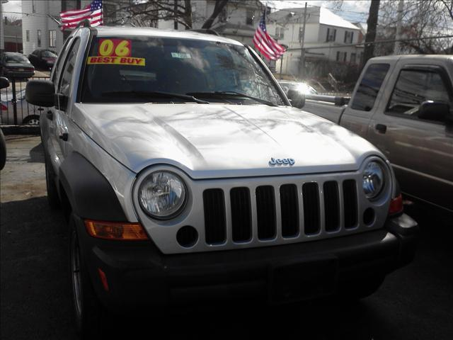 Image 2 of 2006 Jeep Liberty Sport…