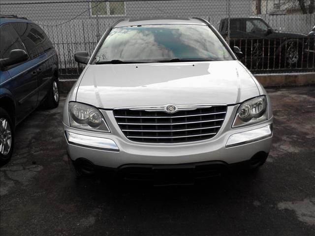 Image 1 of 2005 Chrysler Pacifica…