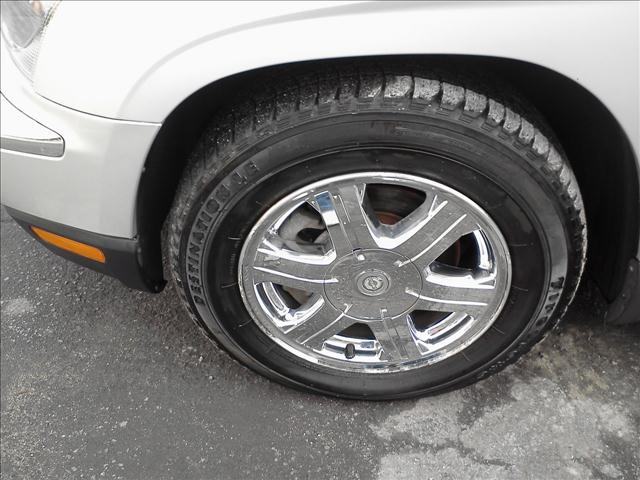 Image 4 of 2005 Chrysler Pacifica…