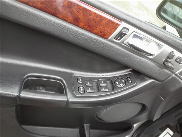 Image 6 of 2005 Chrysler Pacifica…