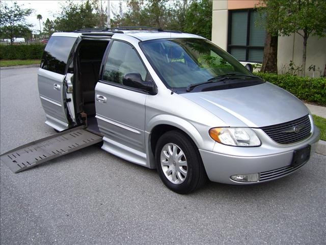 2003 chrysler town and country interior dimensions. Black Bedroom Furniture Sets. Home Design Ideas