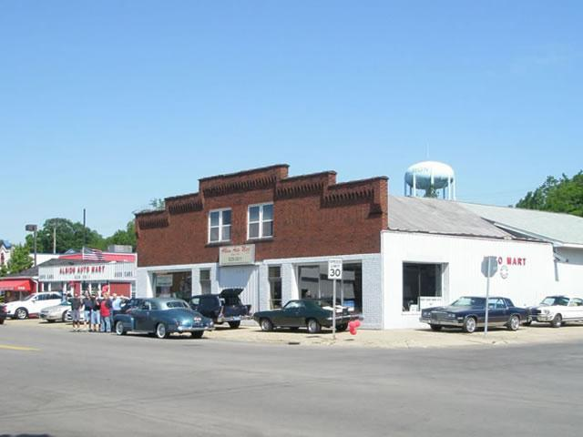 1951 - Albion Auto Mart  - Stop by and see us!