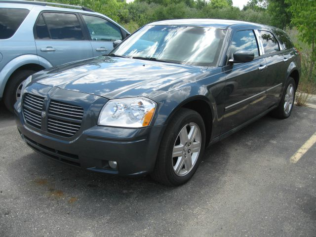 2005 Dodge Magnum SXT - BRIGHTON MI