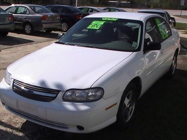2004 Chevrolet Classic 4Door AT 32MPG 102K MI - Slidell LA