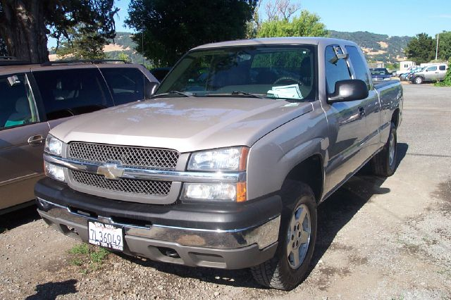 2004 CHEVROLET SILVERADO 1500 EXT CAB SHORT BED 4WD silver 4x4 4wdawdabs brakesair conditionin