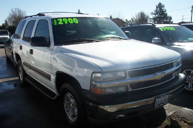 2004 CHEVROLET TAHOE 2WD white low miles abs brakesair conditioningalloy wheelsamfm radioanti