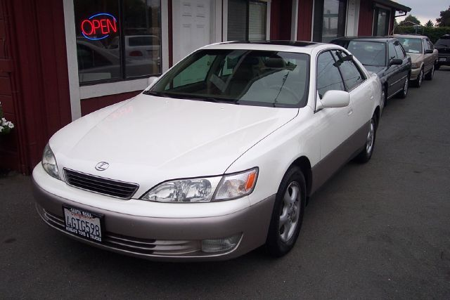 1999 LEXUS ES 300 BASE white one owner abs brakesair conditioningalloy wheelsamfm radioanti-b