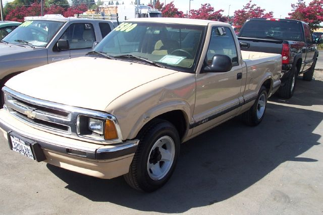 1994 CHEVROLET S10 LS gold 214557 miles VIN 1GCCS1446R8170159 
