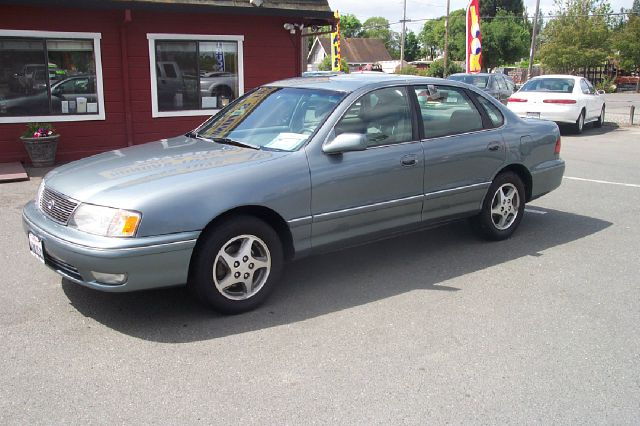 1999 TOYOTA AVALON XLS silver low miles abs brakesair conditioningalloy wheelsamfm radioanti-