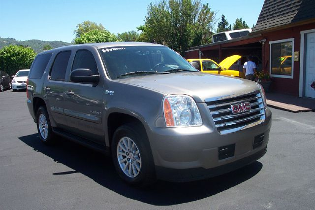 2008 GMC YUKON 4HY 4WD unspecified 20 mpg 4wdawdabs brakesair conditioningalloy wheelsamfm r