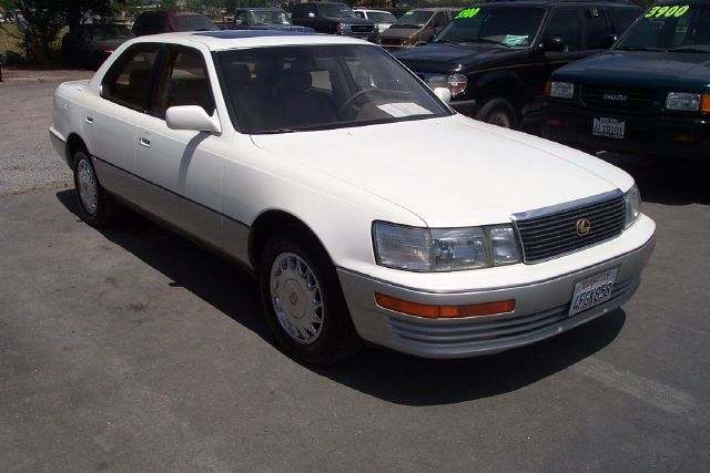 1992 LEXUS LS 400 white 4 dooralloy wheelsamfm radioautomatic transmissioncruise controldriv