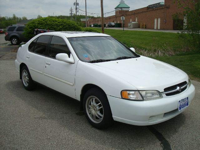 1998 Nissan Altima