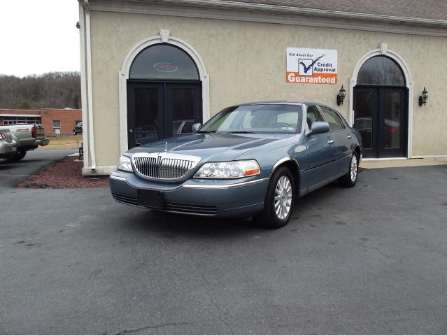 Tothego - 2004 Lincoln Town Car_1