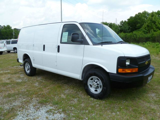2009 CHEVROLET EXPRESS 2500 CARGO white driver side has adrian steel shelves bulkhead for your p