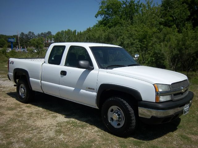 2003 CHEVROLET SILVERADO 2500 EXT CAB 4WD white 4x4 extended cab with a short bed will make you