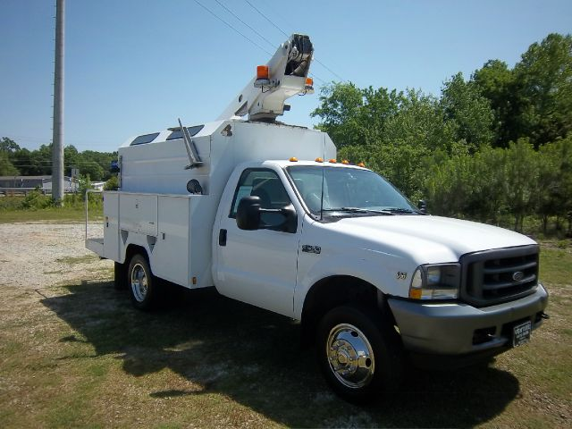2003 FORD F450 XL SD BUCKET TRUCK REGULAR CAB 2WD DRW white 28 ft telsta bucket truck all enclos