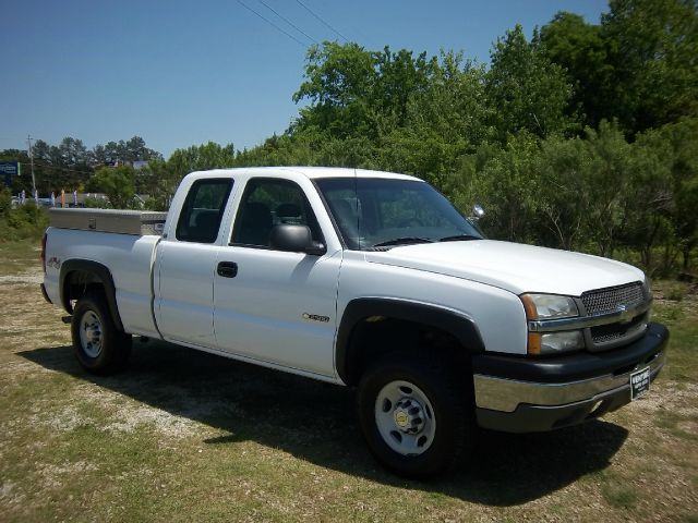 2003 CHEVROLET SILVERADO 2500 EXT CAB 4WD white extra clean 4x4 extended cab short bed this one