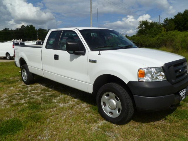 2005 FORD F150 XL white 4x4  4 dr extended cab long bed for extra big loads tow pkg fleet pr