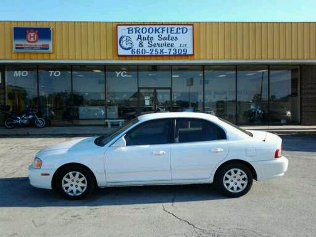 2004 Kia Optima - BROOKFIELD, MO
